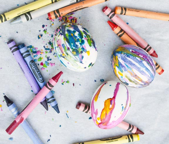 how-to-make-crayon-easter-eggs